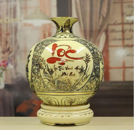 Bình gốm vẽ vàng chữ Lộc - món quà phong thủy ý nghĩa